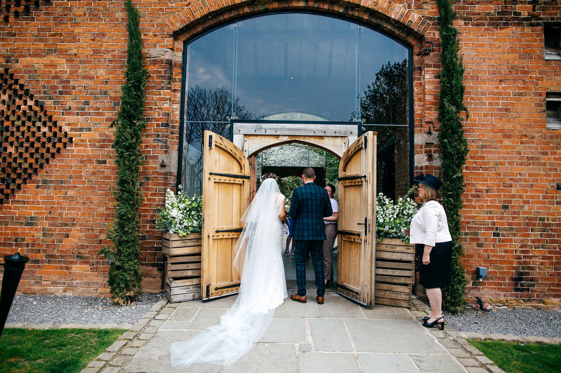 Shustoke-Farm-Barns-Wedding361