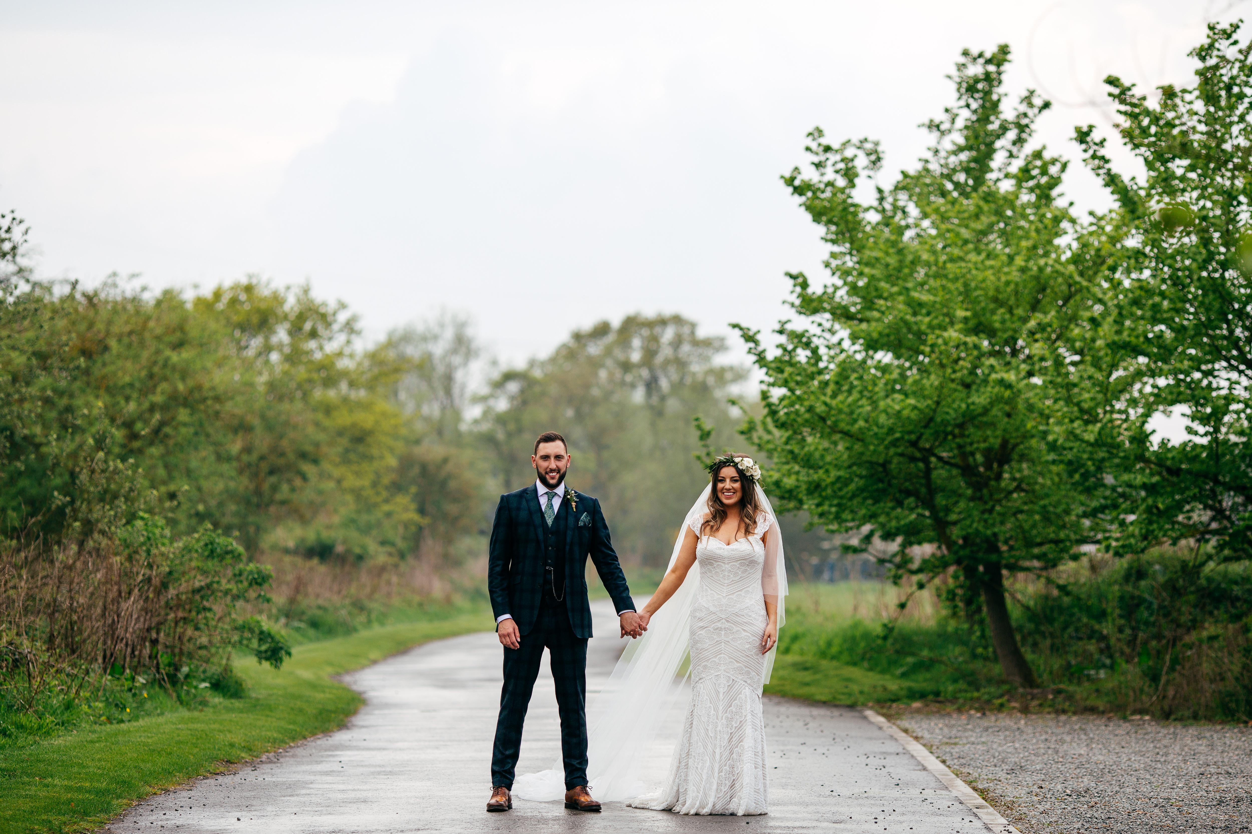 Shustoke-Farm-Barns-Wedding531