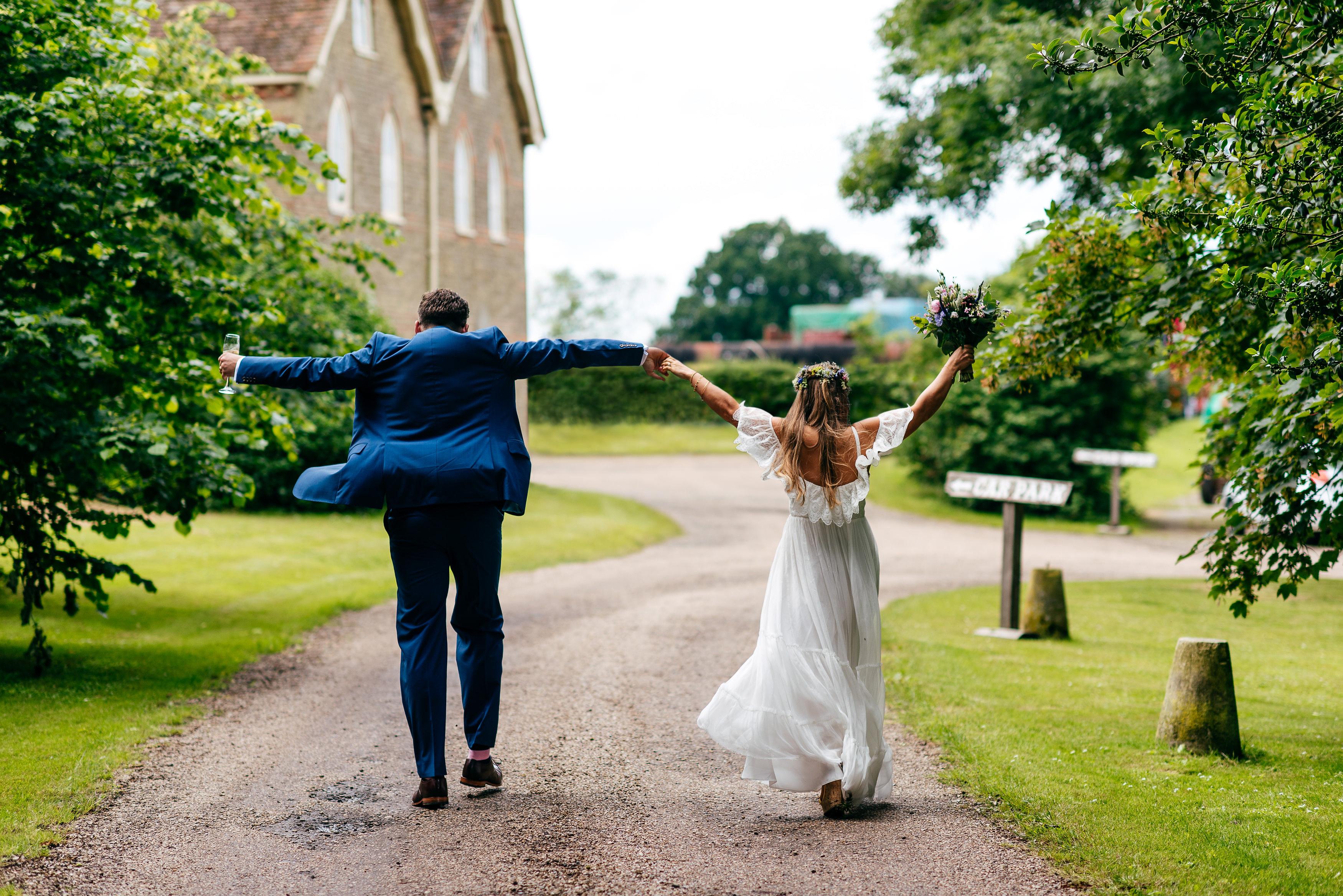 preston-court-fun-wedding-photos