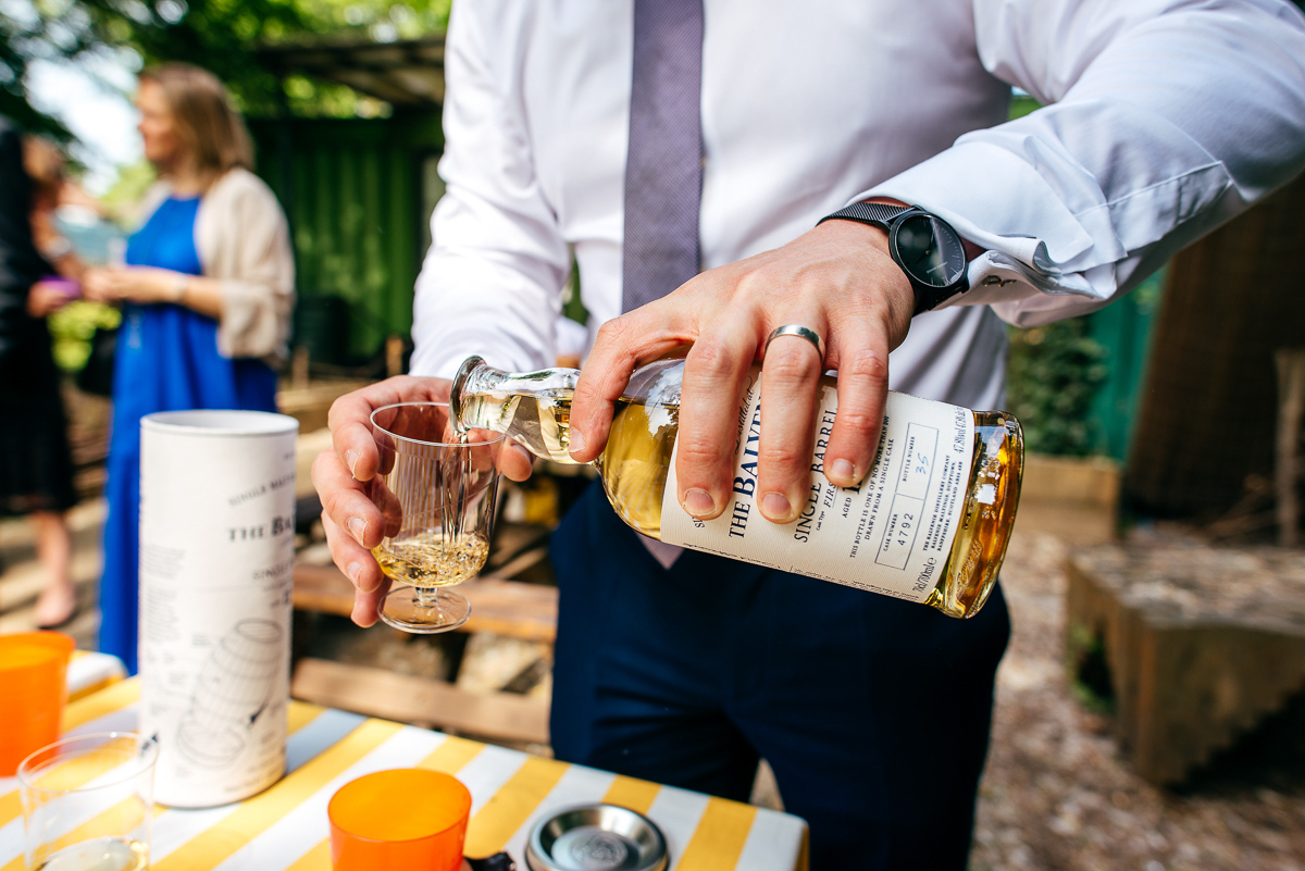 groomsman-purs-whiskey-jewish-wedding-photographer-jordanna-marston