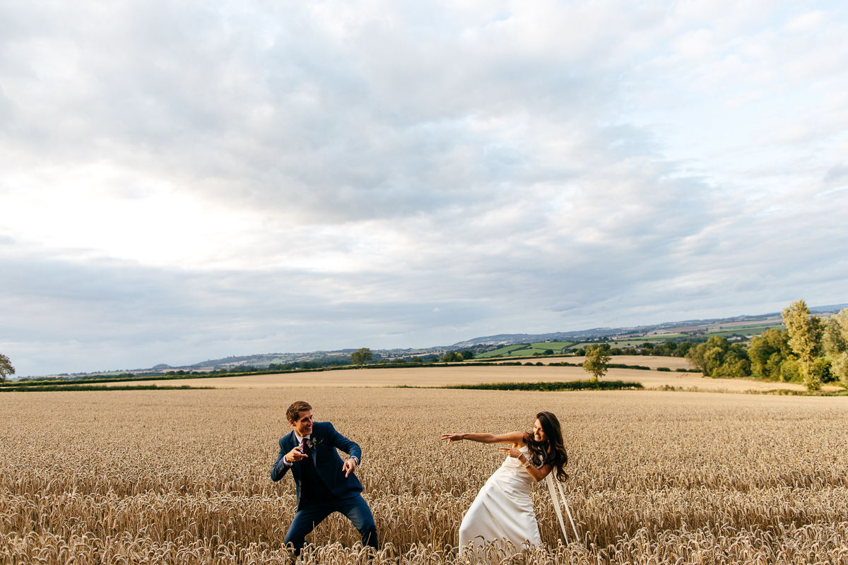 bride-and-groom-fool-about-wheatfield-couple-portrait-jordanna-marston-photography